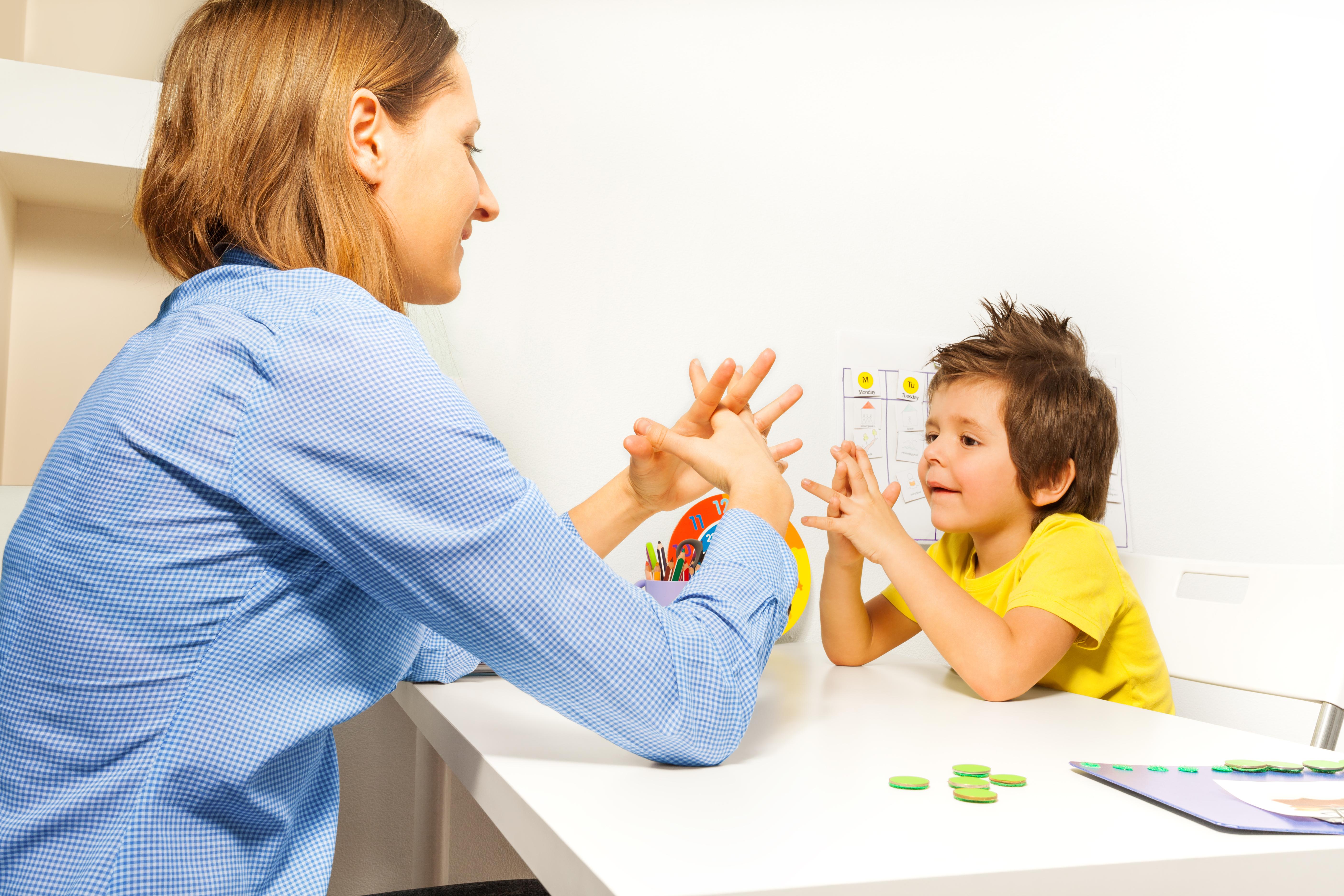 Konsultacje, zajęcia terapeutyczne grupowe i indywidualne